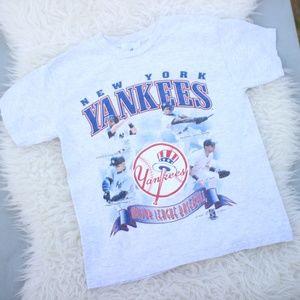 New York Yankees MLB 1999 Vintage Tee Size Medium